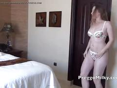 Milf squirting and masturbating