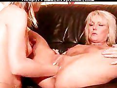 Amateur - double fist lesbians - squirt