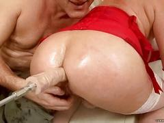 Ugly granny getting fucked by sex machine