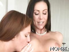 Hawt 3some with a lusty mum