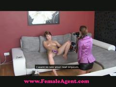 Amateur chick licks agent's pussy