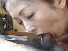 Japanase milf from easysnapfuck.com giving hook up akira a hairy bj.