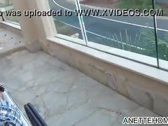 Fellation et baise avec couple francais exhib sur la terrasse