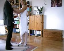 German couple gerburtstagskuchen mit sahne