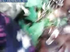 Fazendo suruba no mato www.videosflagras.com