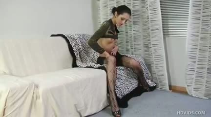 Tempting tamara takes her time teasing rinat with her tounge