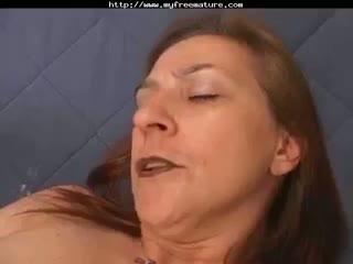 Mamie italienne avec son fils mature mature porn granny old cumshots cumsho