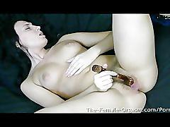 24 yo jennifer uses a vibrator to orgasm for her first time ever