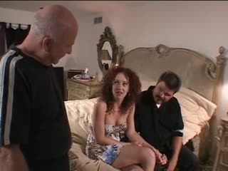 Hottie gets her pussy banged