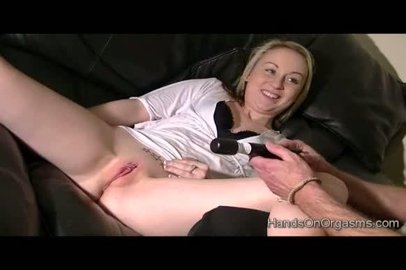 large-labia, orgasms, multiple, cumming, contractions, clitoris, handson, help, biglips, masturbation