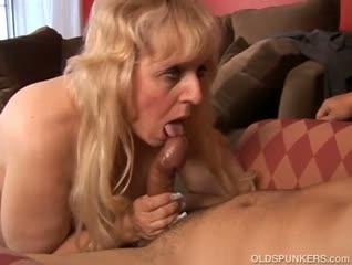 Big beautiful mature blonde loves to fuck