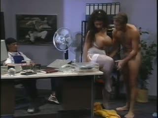Fotze zu versteigern full movie 1994 vintage german