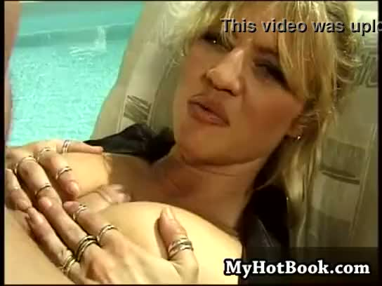 Sindee coxx can get pretty fucking lazy at times
