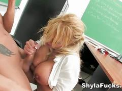 Shyla stylez banged by muscular hunk