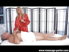 Hot blondie lexi kartel gives hand and blowjob