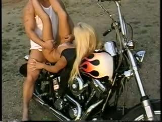 Outdoor biker fuck