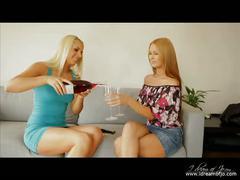 Lounge act - jo, antonia and brandy