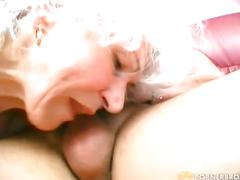 A granny that wants to fuck