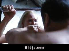 Naked blonde uma zex fucking the oldie at the gym