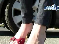 Star nine wetting her panties & skintight jeans omorashi peeing