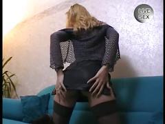 Svelte chick stimulates herself with a dildo