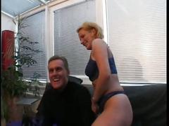 Mature german bitch fucked hard in the sofa