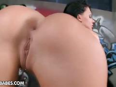 Gorgeous brunette, alette ocean solo pussy piss show