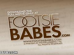 Janelle's solo footplay
