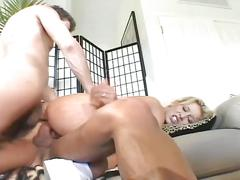 Horny dudes fuck blonde slut