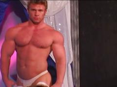 Spunk giving muscled hunk strips and dances in sizzling bar solo