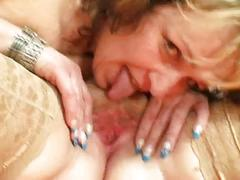 Mature lesnian sluts enjoys double fucking