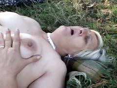 Fat lesbian grannies love outdoor pussy action