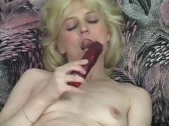 Horny blonde milf gives solo show with toys