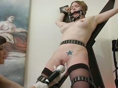 The bondage babe get tortured by a horny slut