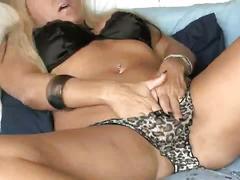 Sexy milf secretary housewife !