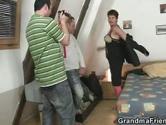 Photosession with grandma leads to threesome