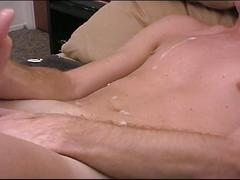 Hot skinny dude jerks off and cums on stomach