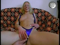 Innocent amateur taught to fuck