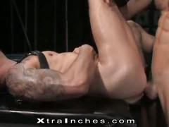 Hot hunk in a hrd sucking and fucking session.