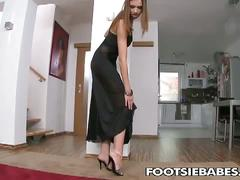 Eufrat playing with pussy and using her feet on dildo