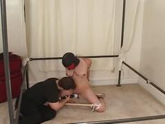 Bondage fucking by a big vibrator !