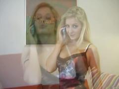 Teeny blonde hottie solo pussy teasing show on cam