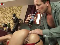 Horny bitch gets her holes drilled in the office