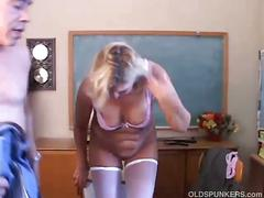 Mature blonde gets her cunt drilled