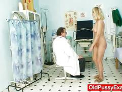 Horny doctor is examining a old mature pussy with a speculum