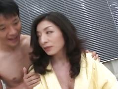 Japanese babe gets pussy plugged hard