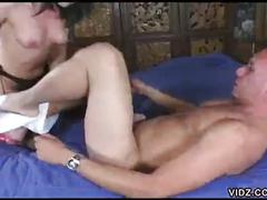 Slut blows a neatly shaved dick after her sweet pussy played hard