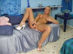 Big tits blonde whore getting naughty in solo pussy toy injection
