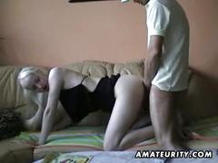 Amateur blonde girlfriend sucks cock and gets drilled with facial