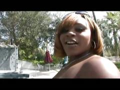 Chubby ebony shakes ass outside and bangs inside